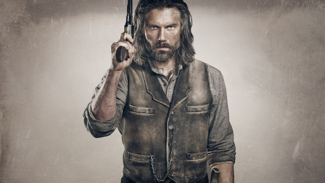 Hell on Wheels and Cullen Bohannon with a gun